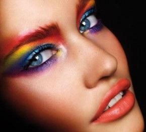 eyeliner-renkli-goz-makyaji
