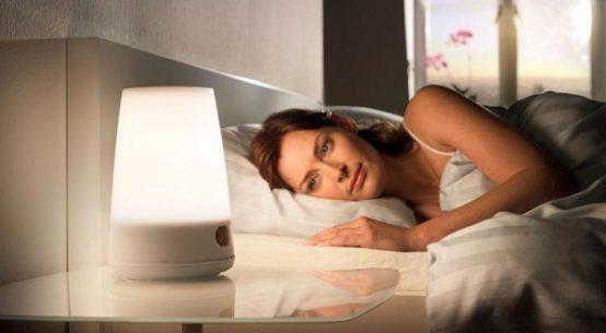 gece-lambasi-ile-uyumanin-zararlari