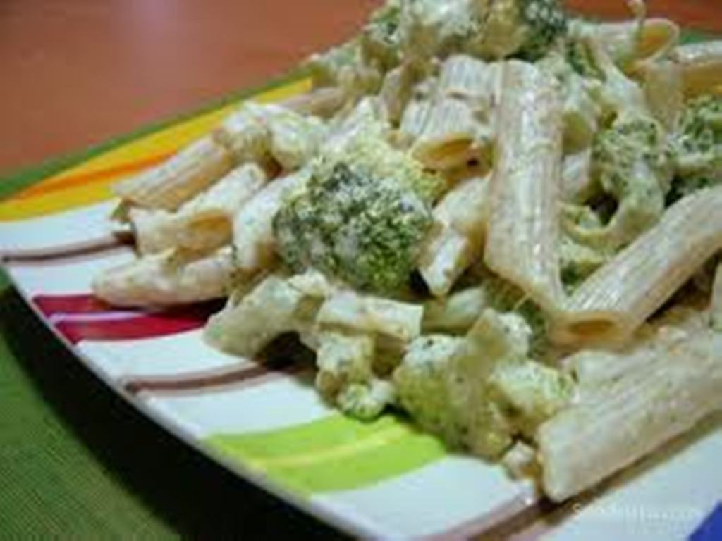Brokolili Makarna